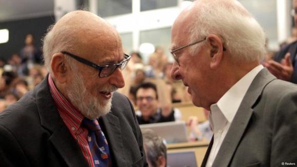 کاشفان ذره هیگز برندگان جایزه نوبل فیزیک امسال شدند