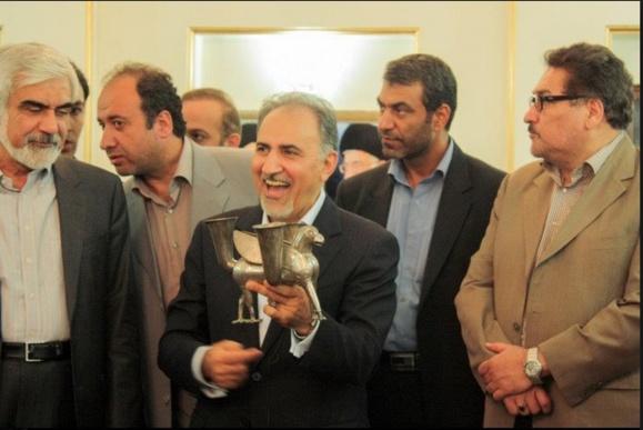 امریکایی ها با اهدای شیر دال تقلبی به ایرانیها آنها را سر کار گذاشتند