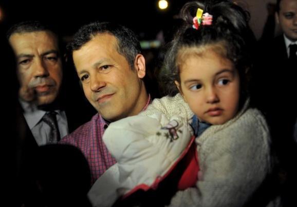 خلبانان ترک و لبنانیهای ربوده شده به کشورهای خود بازگشتند