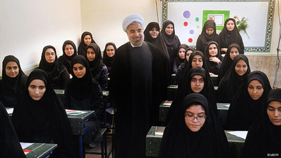 """وزیر پیشنهادی خواستار """"محرمسازی"""" مدارس دخترانه شد"""