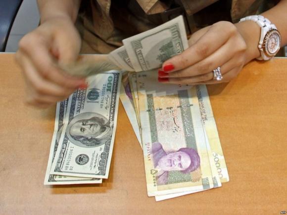 اقتصاد ایران به مثابه يک تکه سنگ در حال سقوط آزاد است
