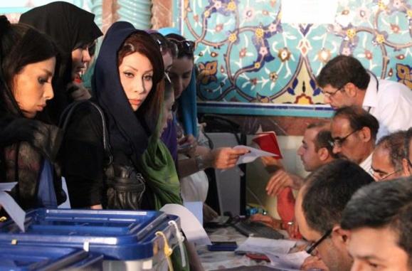 فاصله وعده های روحانی تا بخشنامه حجاب، فقط سه ماه بود؟/ شهرام رفیع زاده