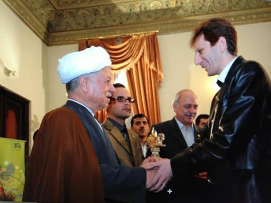 فساد واستبداد در ایران؛ردپای بابک زنجانی در پرونده تامین اجتماعی