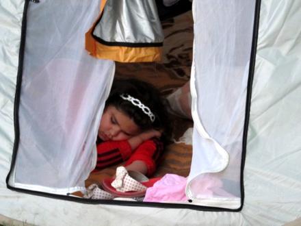 این خانواده آبادانی شب ها در پارک می خوابند+ تصاویر