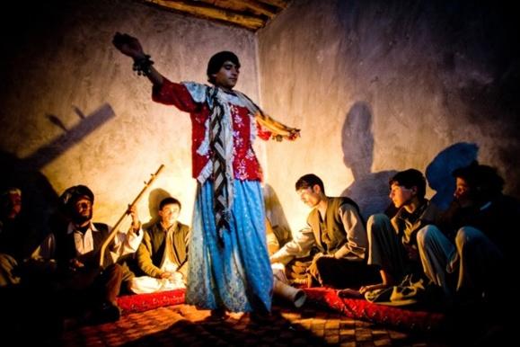 """حقوق بشر افغانستان از موجودیت فعل """"بچه بازی"""" ابراز نگرانی کرد"""