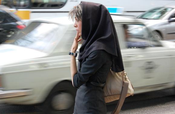 گسترش وعلنی شدن فحشا و روسپیگری در مناطق مختلف تهران
