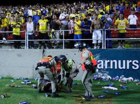 نزاع و درگیری وحشیانه در لیگ فوتبال برزیل