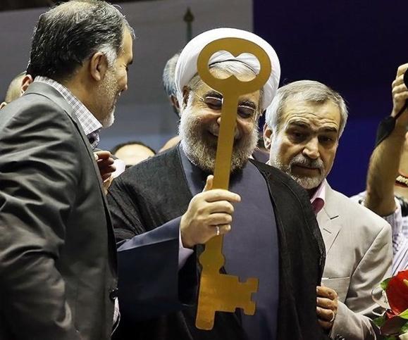 نگاهی به کارنامه آقای حسن روحانی در آستانه سی پنجمین سالگرد انقلاب اسلامی/م. چشمه