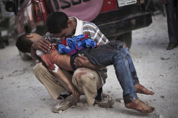 بمباران شهر مرزی سوریه هزاران تن از ساکنان منطقه را فراری داد