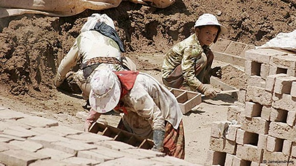 گزارش تکاندهنده؛ جزئیات خرید و فروش کودکان کار وبرده کشی در ایران اتمی