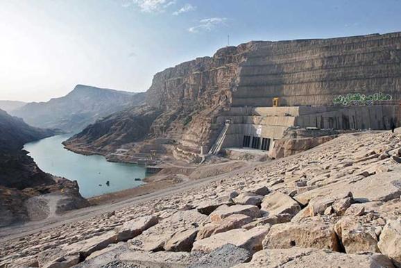 گزارش یک بحران؛ذخیره هفت میلیون تن نمک پشت سد گتوند /نادره وائلی زاده