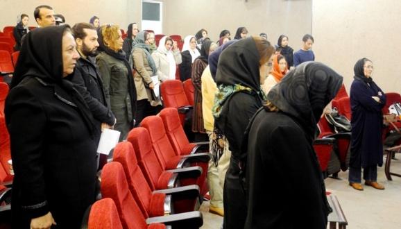 بررسی وضعیت بهداشت و سلامت زنان  در ایران سال های ۱۳۸۴ الی ۱۳۹۲ / نیکزاد زنگنه