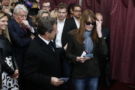 تغییر کابینه واستعفای نخست وزیر فرانسه در پی شکست سوسیالیستها در انتخابات محلی