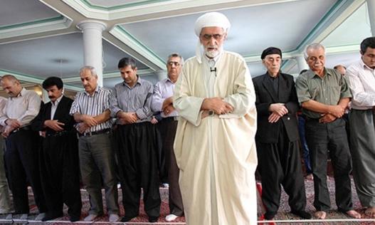 «دخالت نهادهای امنیتی در تعیین پیشنماز مساجد اهل سنت در سقز»