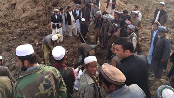 رانش زمین در افغانستان ۲۵۰۰ نفر را زیر خاک مدفون کرد