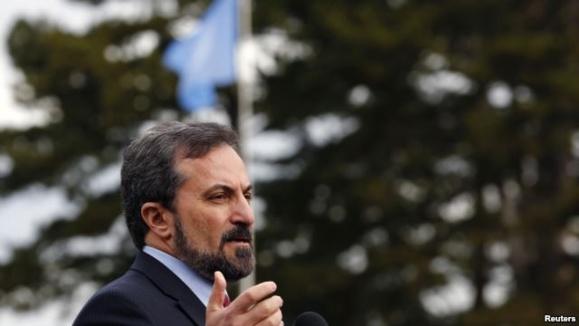 لوی صافی، سخگوی ائتلاف ملی سوریه در یک کنفرانس در ژنو - آرشیو
