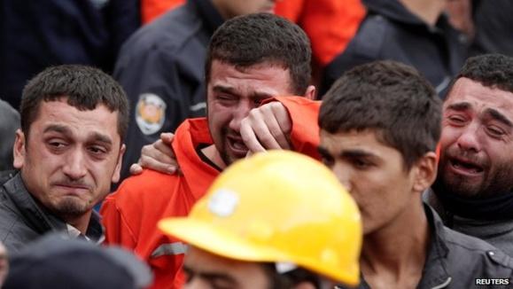 انفجار معدن در ترکیه بیش از ۲۰۰ نفر را کشت