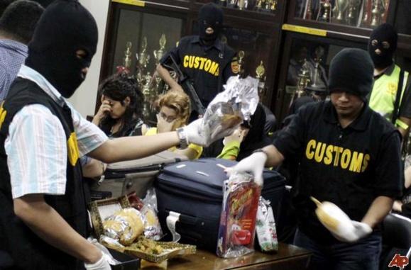 ضبط مواد مخدر شیشه در فرودگاه اندونزی