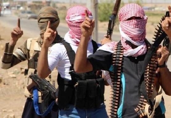 گروهی از جنگجویان أهل سنت عشایر عراق