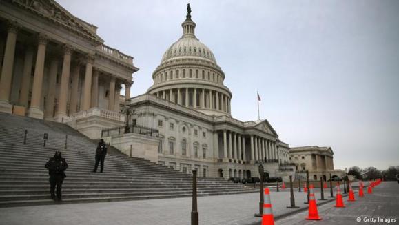 درخواست دو سناتور آمریکایی برای تحریم خامنه ای وروحانی به علت نقض حقوق بشر