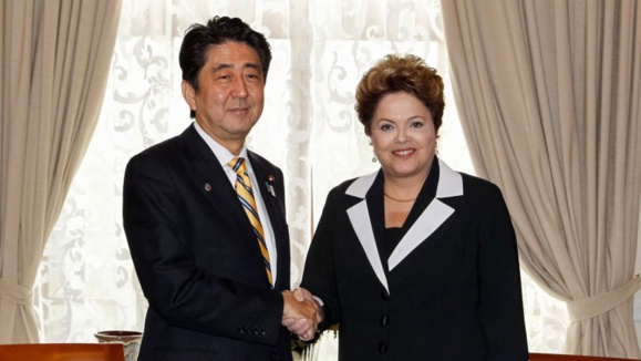 نخست وزیر ژاپن در برزیل تصادف کرد