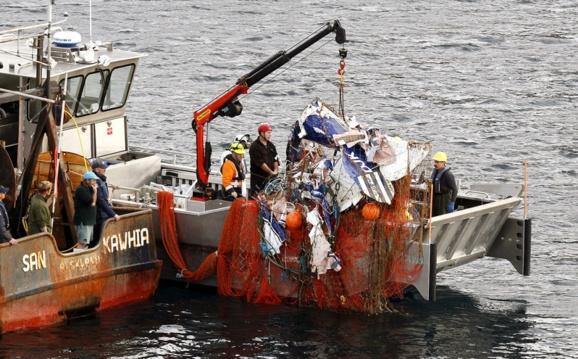 ماهیگیران نیوزلندی بجای ماهی یک هواپیما صید کردند