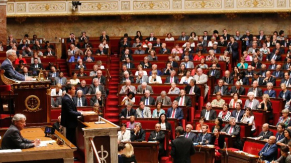 مجلس فرانسه به قصد مبارزه با تروریسم، قانون جدیدی تصویب می کند