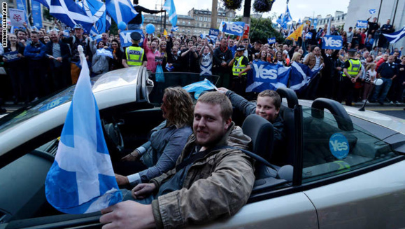 همه پرسی استقلال اسکاتلند از بریتانیا آغاز شد