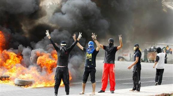 حکم ابد برای 9 تن از عناصر مرتبط با رژیم ایران در بحرین