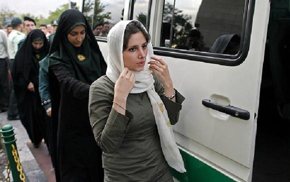 پلیس ایران با «بدپوششی زمستانی» برخورد میکند