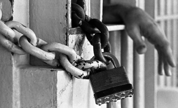 ایست قلبی شهرام پور منصوری در نتیجه فشارها و تهدیدات معاون حفاظت اطلاعات زندان گوهر دشت