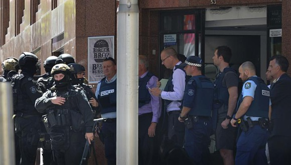 بحران گروگان گیری در استرالیا: پنج گروگان فرار کردند