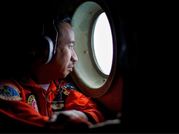 جنازه ۴۰ تن از سرنشینان هواپیمای ایرآسیا پیدا شد