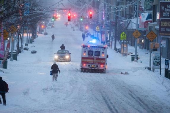 رانندگی در نیویورک به خاطر توفان برف ممنوع شد