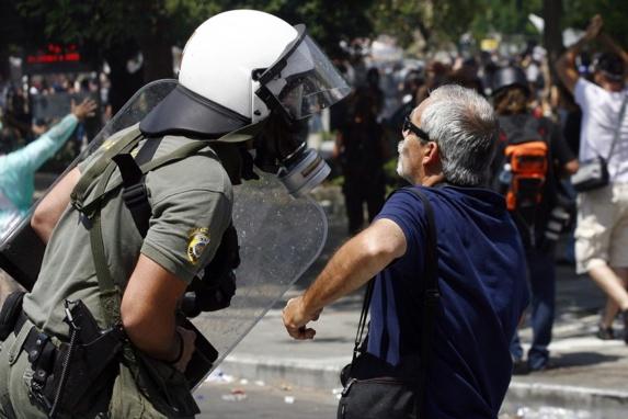 خشونت و اعتراض در آتن علیه تمدید ریاضت اقتصادی