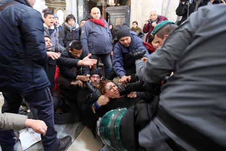 تظاهرکنندگان در ایتالیا خواستار محدودیت ورود مهاجران به این کشور شدند