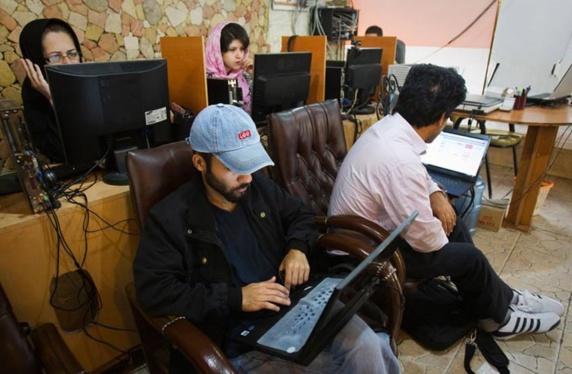 خشونت آنلاین علیه زنان؛ کلیکهایی که زنان را هدف میگیرند