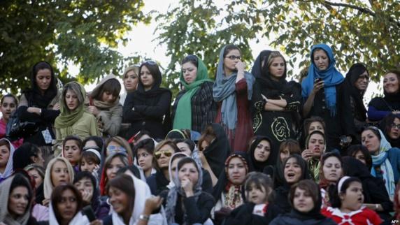 عفو بین الملل: طرحهای تازه در ایران زنان را به «ماشین کودکسازی» تبدیل میکند