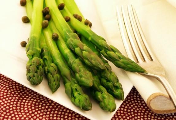 ۵ خوراکی مفید برای حفظ سلامت دستگاه گوارش