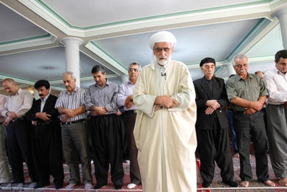 بيش از ٣٠٠ زندانی عقیدتی از اهل سنت در زندانهای ایران