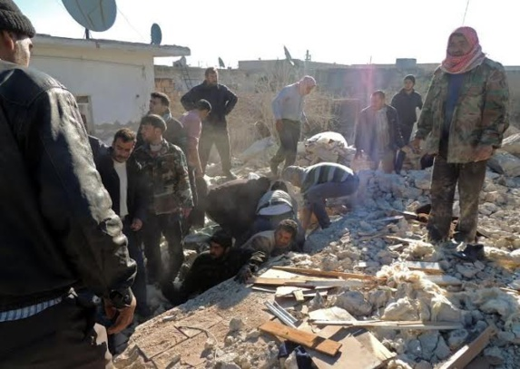 در پی خروج  منطقه استراتژیک جسر الشغور از کنترل نیروهای اسد این منطقه با بمب های بشکه ای مورد حمله قرار گرفت