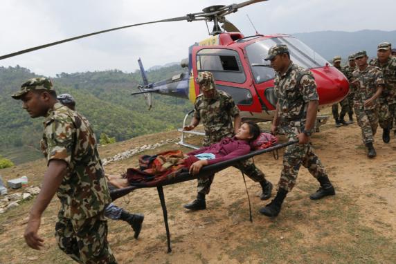 زلزله نپال؛ کمکها به مناطق دورافتاده رسید
