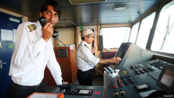 ایران با تغيير مسير «کشتی نجات» به سمت جيبوتی در برابر عربستان سعودی عقب نشینی کرد