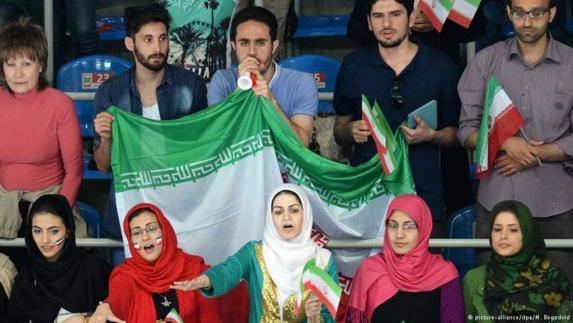 درهای استادیوم بار دیگر به روی زنان ایرانی بسته ماند