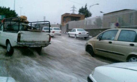 سیل در استانهای تهران و البرز بیش از ده کشته به جا گذاشت