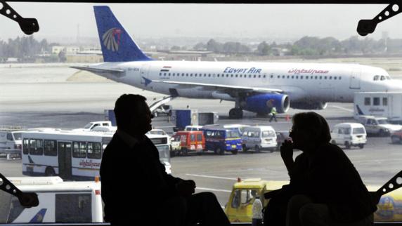 لغو پرواز بروکسل به قاهره در پي تهديد يک مسافر