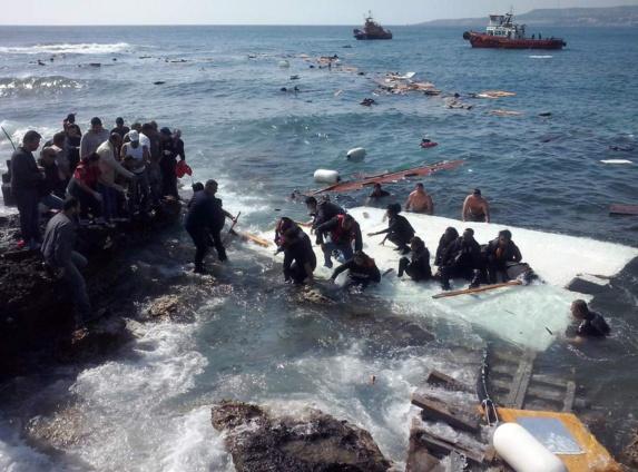 پلیس یونان از مرگ 18 پناهجو وناپدید شدن 40 نفر دیگر خبر داد