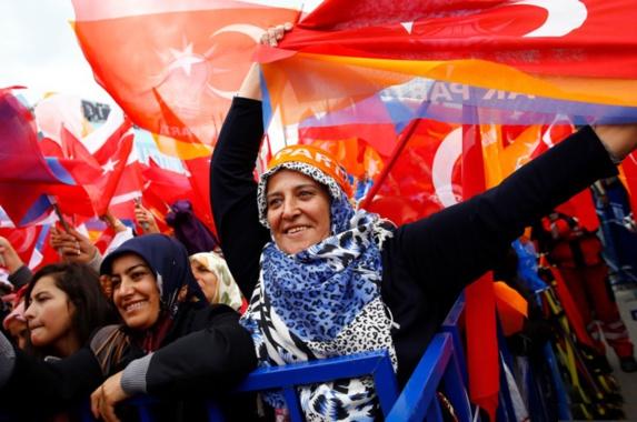 آغاز رأی گیری برای انتخاب نمایندگان بیست و ششمین دوره  پارلمانی ترکیه
