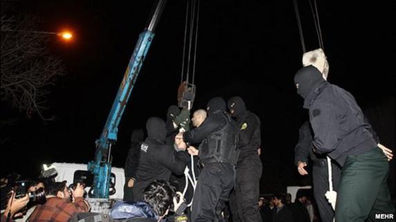 """""""اتحاد علیه ایران اتمی"""": از جرثقیل های پیمانکار آمریکایی برای اعدام در ایران استفاده می شود"""