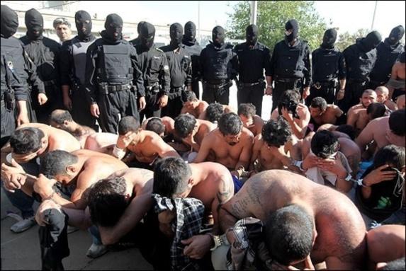 ایران در رتبه نخست خاورمیانه وبالاتر از میانگین جهانی زندانی دارد